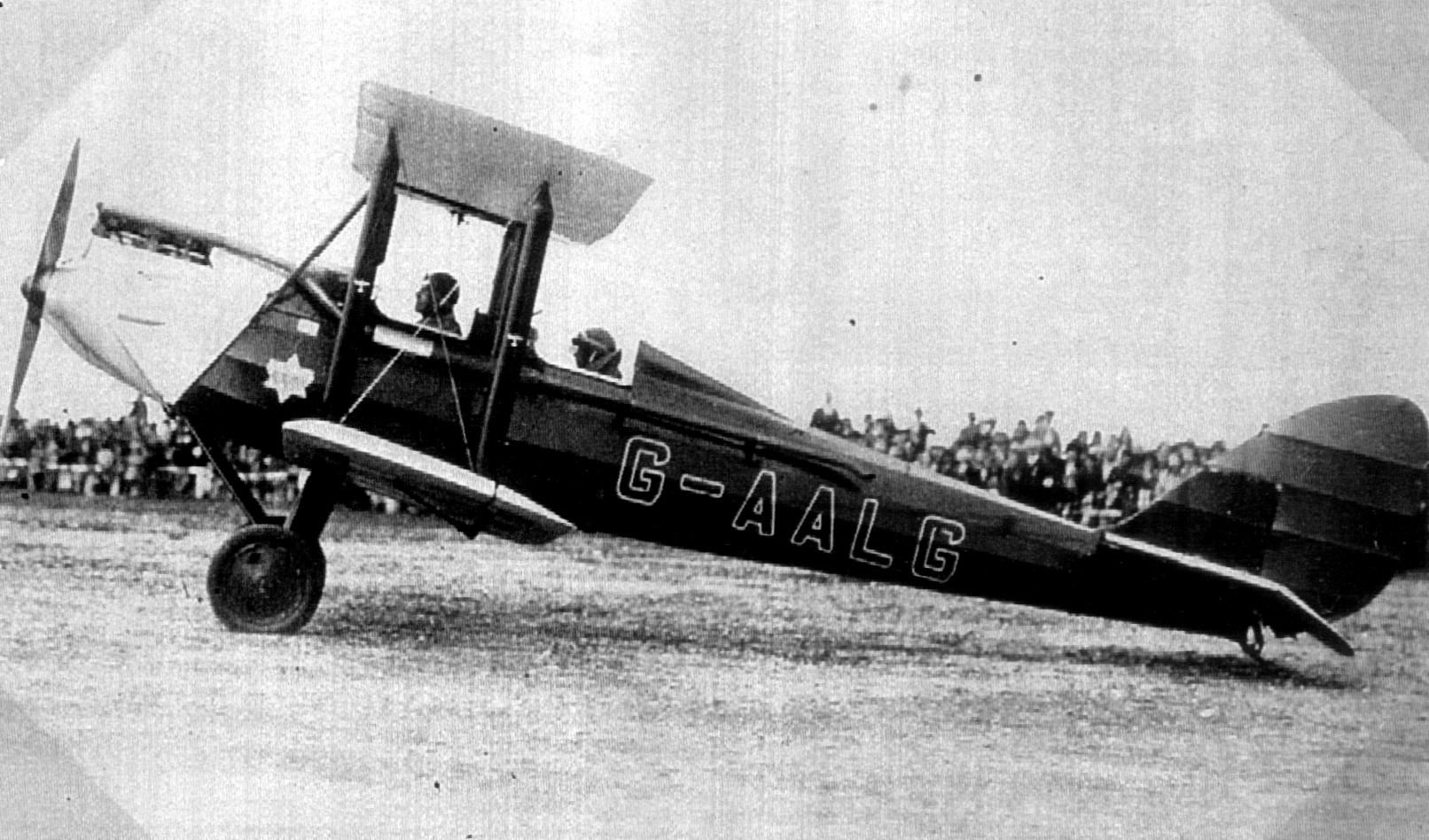 Gipsy Moth aircraft. Image from Lute Alumni.