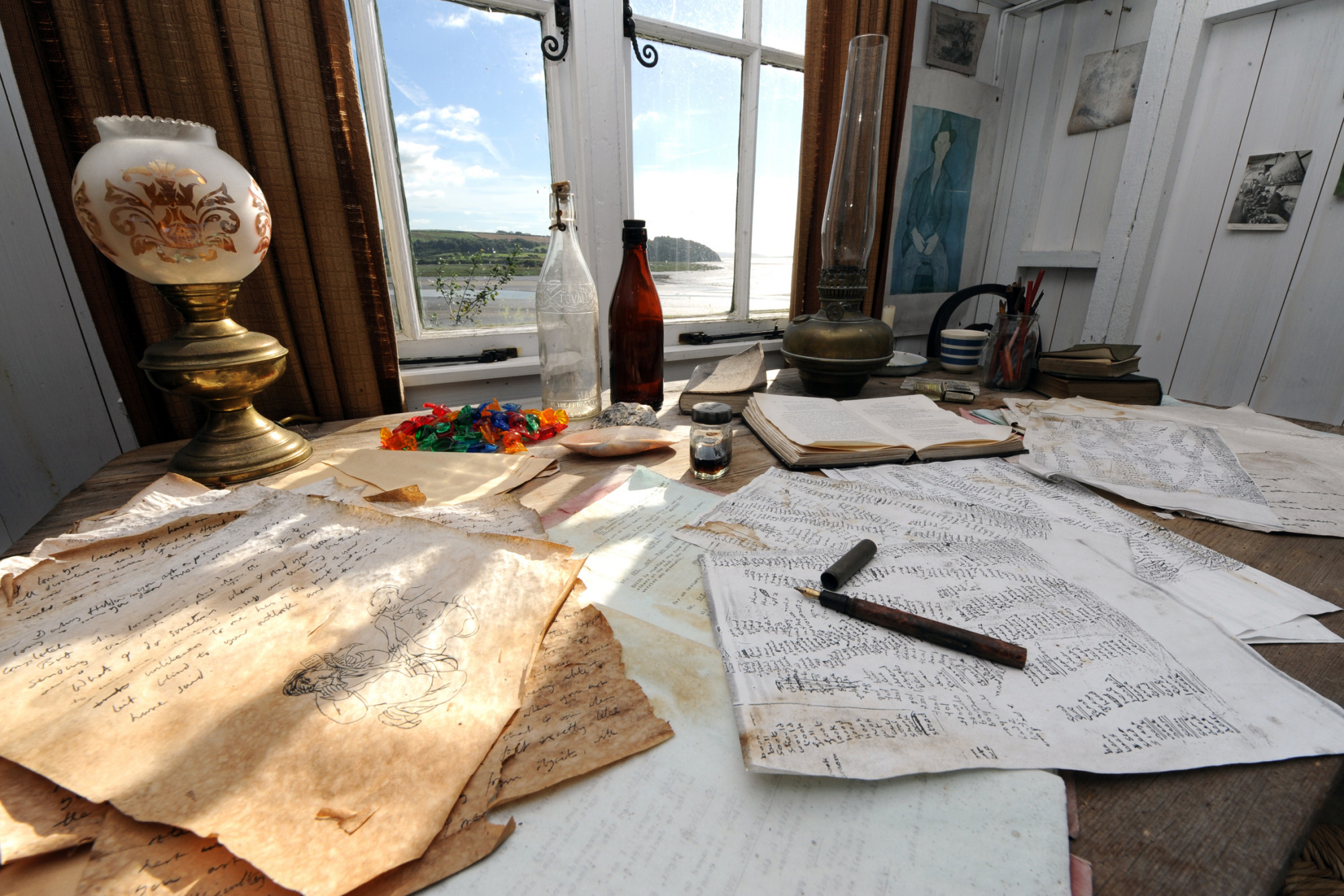 Dylan Thomas' replica Writing Shed