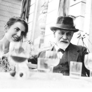 Sigmund-Freud-and-Anna-Freud1 (1)