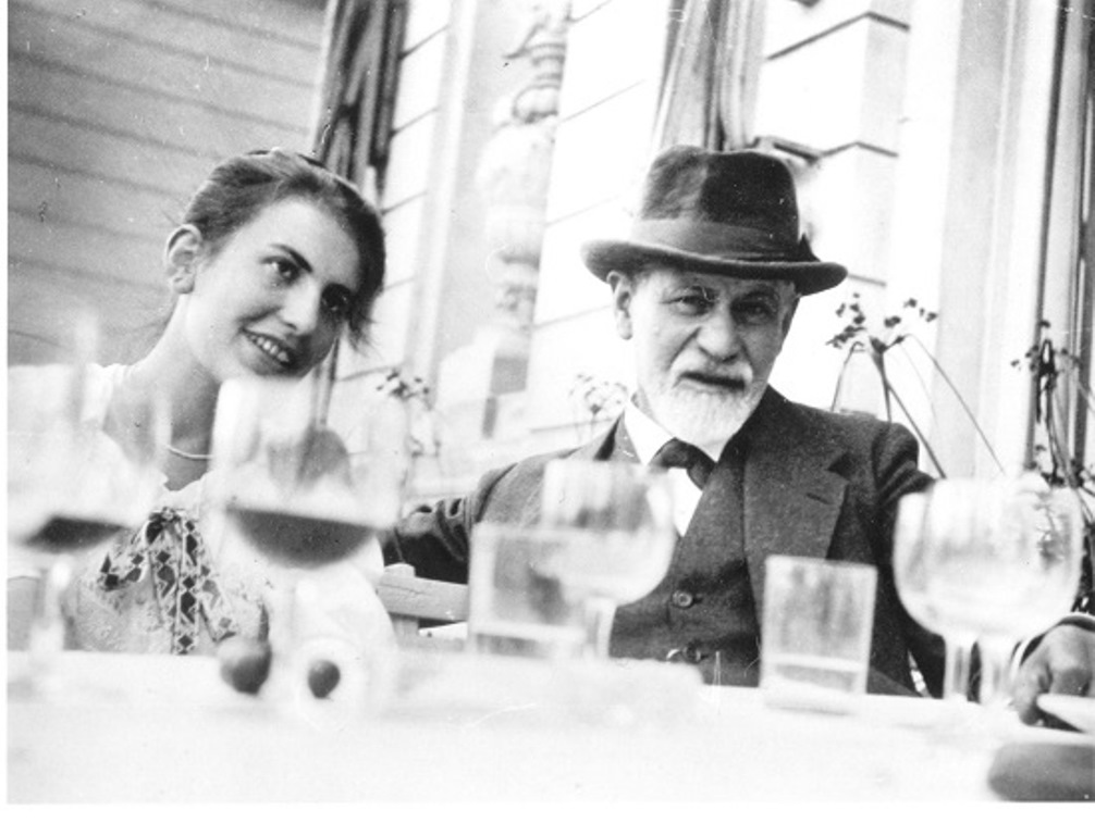 Sigmund-Freud-and-Anna-Freud1 (1)