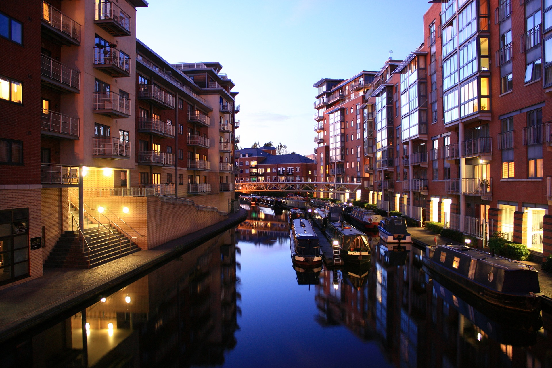 photo of birmingham canal at night