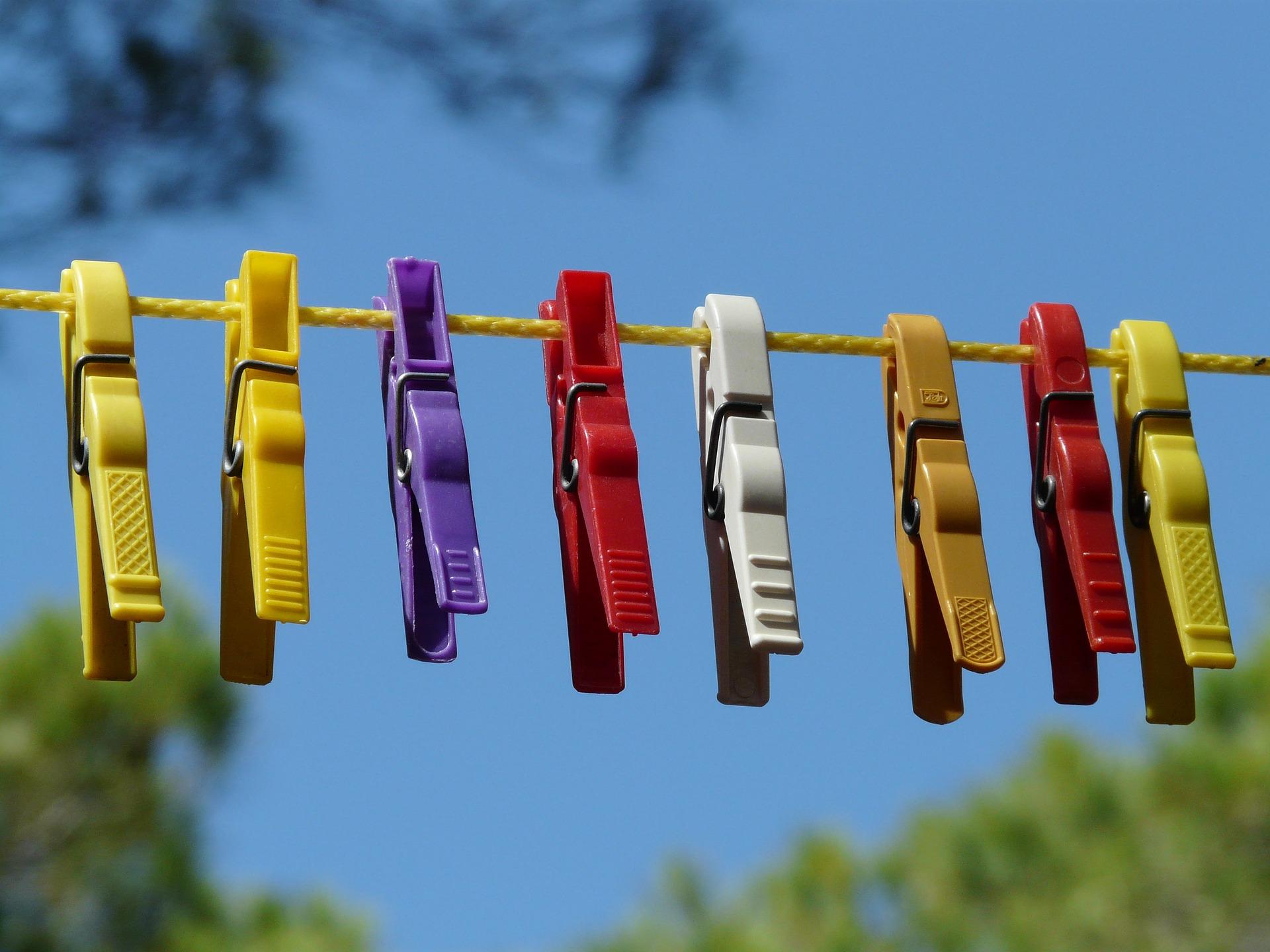 clothespins-9272_1920