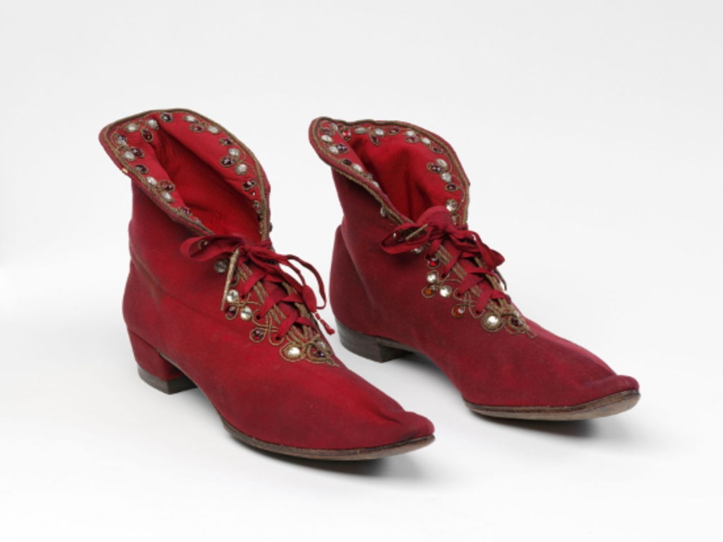 Boots worn by Henry Irving in Richard III, 1877 ©Victoria and Albert Museum, London